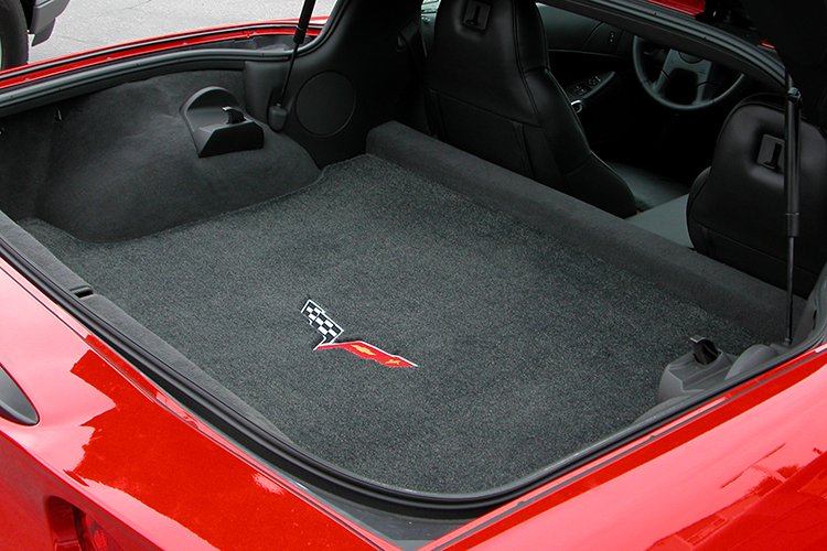 corvette-flags-trunk