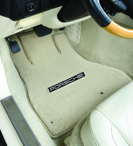 luxe-porsche-driver