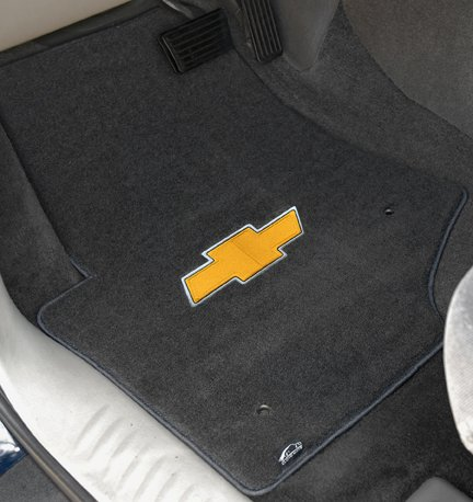 velourtex-in-car-smoke-gold-bowtie